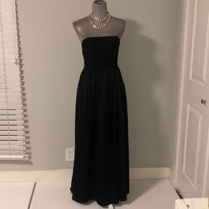 White Vera Wang strapless black gown, size 6